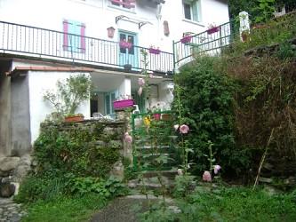 appartement F3  ou Studio  classés 2 étoiles dans une ravissante maison de montagne