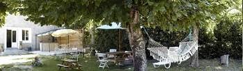 Maison sud ardèche idéale groupe amis ou grande famille immense jardin 12/15 pers.