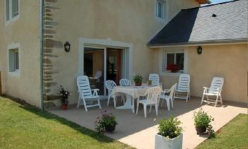 Gite à la campagne  avec piscine chauffée, location de vacances Pyrénées atlantiques 64